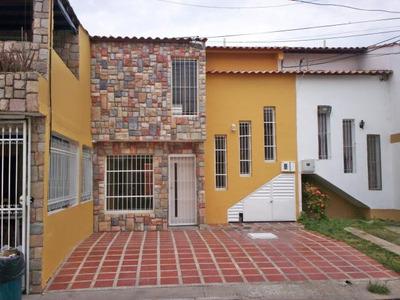 Casa En Venta Urbanismo Ciudad Jardin De Cagua. Edo. Aragua.