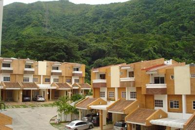 Ls* Lujoso Townhouse De 214m2 En Piedras Pintadas!!