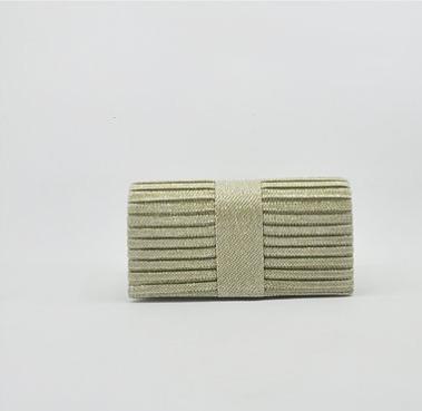 Bolsa Plissada Dourada