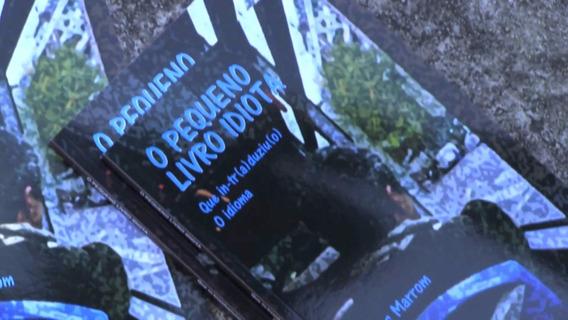 Livro De Poesia O Pequeno Livro Idiota De Marcos Marrom