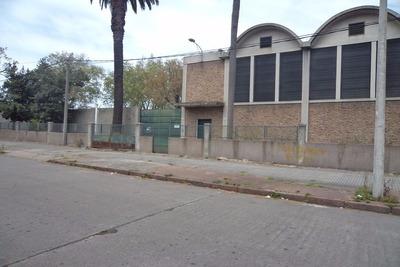 Excelente Local Industrial Por San Martin Frente Al Macro