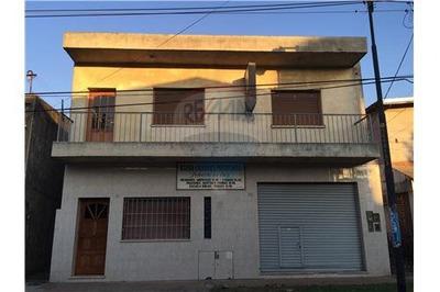 Casa En Venta A Reciclar-local,depósitos/oficina!