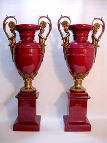 Par De Ânforas Em Porcelana Europeia E Puro Bronze - Lindas