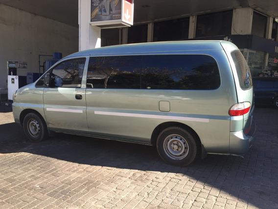 Hyundai H1 Minibus
