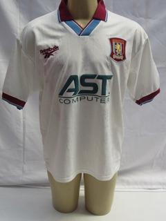 Antiga Camisa De Futebol Do Aston Villa Inglaterra 1996-1997