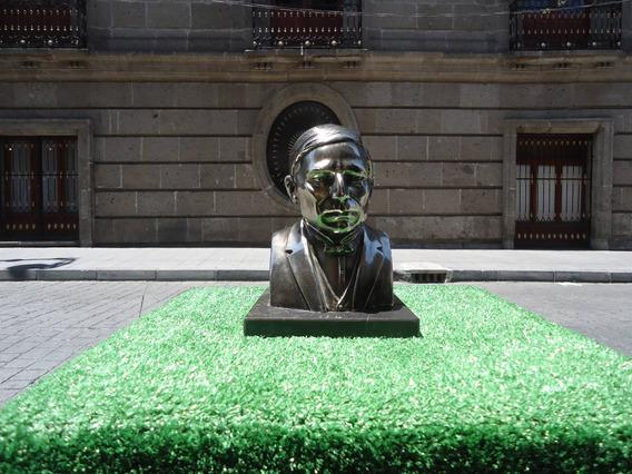Busto De Benito Juarez Garcia Color Dorado