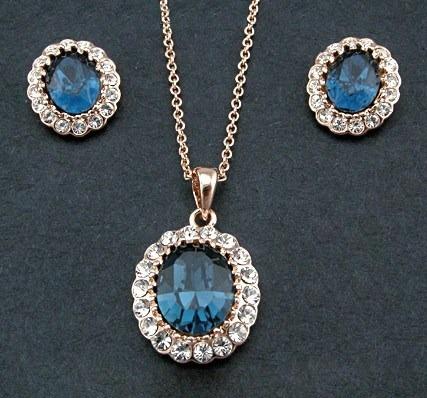 Juego Set Collar + Aretes Swarovski Crystals Con Estuche