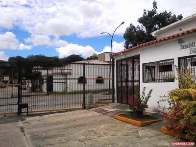 Local En Venta Las Brisas De Cua, Unico En La Zona. Rentable