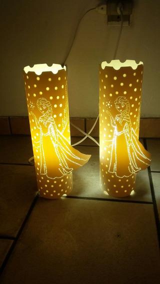 Luminária De Mesa Em Pvc Bivolt 25cm Várias Estampas