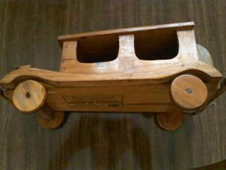 Carro De Madeira Antigo