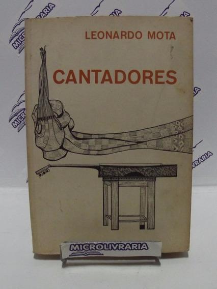 Livro - Cantadores - Leonardo Mota