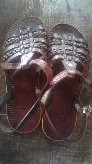 Sandálias E Rasteirinhas De Couro Forrozeira