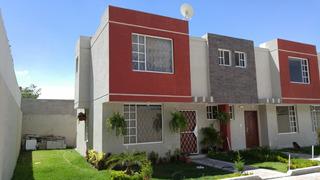 Hermosas Casas De Lujo En La Mitad Del Mundo