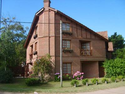 Hermoso Duplex En Plano Centro. Ambientes. Dormitorios. 70 M2. 70 M2c