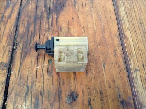 Switch De Freno Original Cirrus Cavalier Mod 95-00 Oem