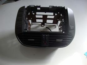 Moldura Central Com Difusores Do Painel Do Fiat Bravo 2012