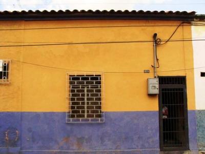 Mh Vende Casa En Santa Rosa Cerca Av Lara 15-11025