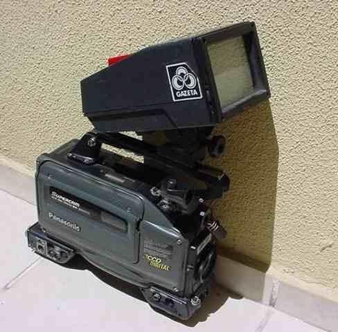 Antiga - Filmadora Vhs Da Gazeta Da Marca Panasonic !!!
