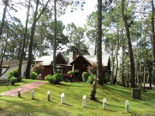 Imagen 1 de 13 de Alquilo Casa En Carilo - Gran Parque - Parrilla