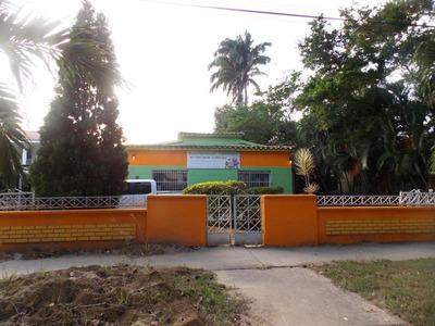 Venta Casa Comercial C1 Av Los Colegios Guaparo