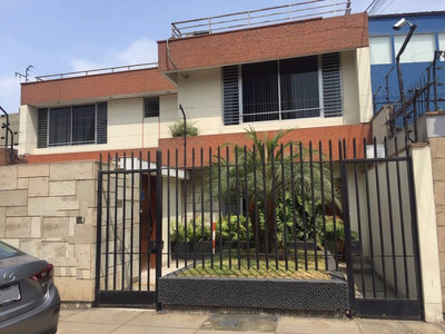 Alquiler De Casa Remodelada Para Oficinas