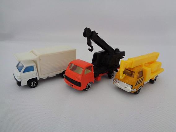 Lote Com 3 Miniaturas Usadas De Caminhões 7 Cm