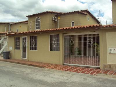 Casa En Venta En Turmero - Santiago Mariño Tc