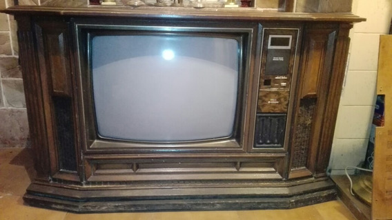 Televisor Con Mueble Antiguo Hitachi