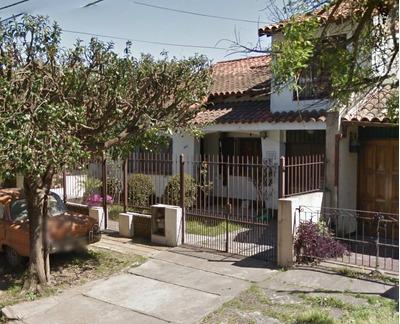 Impresionante Chalet. 4 Dormitorios Y Terreno Libre. Quilmes