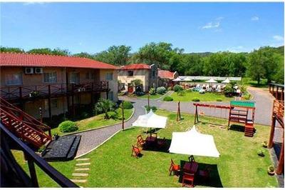 Prestigioso Hotel De Categoria Villa Gral Belgran