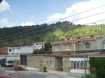Quinta De 2 Plantas En Calle Cerrada Con Clima De Montana En