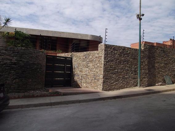 Casa En Venta 19-564 Rent A House La Boyera