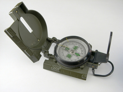 Brujula Militar Lensatic Engineer Dial Flotante Luminoso