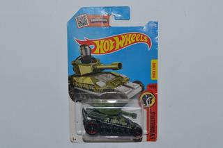 Miniatura Hot Wheels Tanknator 1:64 Hw Daredevils 10/10