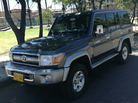 Toyota Land Cruiser 70 - 2011 - Macho Blindado