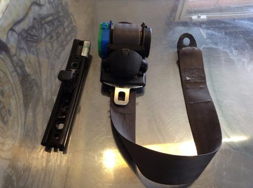 Cinturon De Seguridad Trasero Derecho Cherokee 99-04