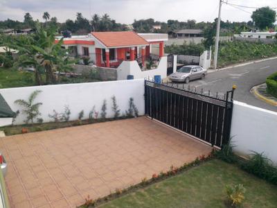 Coalicion Vende Casa 360 Mts2 Res Cerrado En Licey Al Medio