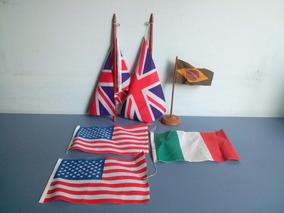 Lote De Antigas Bandeiras Em Pano De Mesa