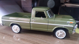 Miniatura Ford F-100 Pick-up 1969 Motormax 1:24 Verde