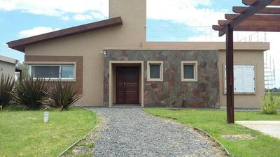Casas En La Laguna De Lobos Con 2000m2 De Lote, Arroyo Priv!