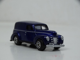 Motormax Super Wheels Ford Sedan Delivery 1940 - Escala 1:64