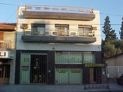 Alquilo Casa Amplisimo Mas Local De 250m2 Sobre Avenida