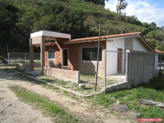 Townhouses En Mérida, Mucunután.