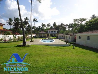 Villa En Venta Frente A La Playa
