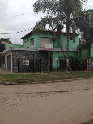 La Reja, Lado Sur. Casa C/ Locales, Ideal Supermercado Chino