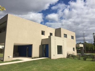 Casa En Alquiler Ubicado En Bella Vista, Zona Norte