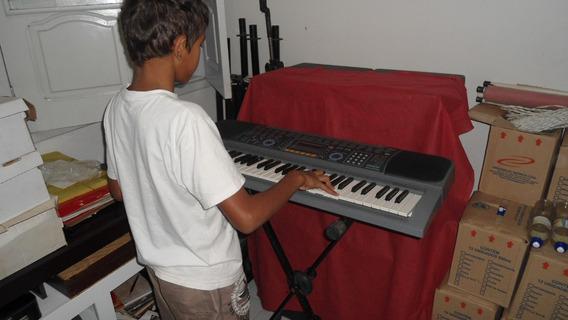 Teclado Eletrônico Marca Concertmate 990, Americano, 200 Ton