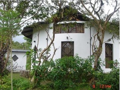 Compre 2 Cabañas En Mindo Potencia Turística Del Ecuador