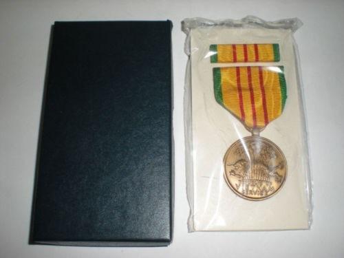 Medalha Militar Us Vietnam Service + Ribbon _ Box