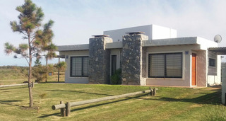 Punta Negra / Piriapolis - Linda Casa A Pasos Del Mar
